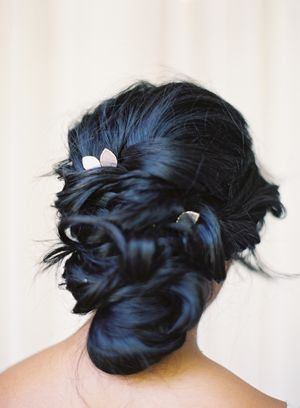 updo_dark_hair_flowers