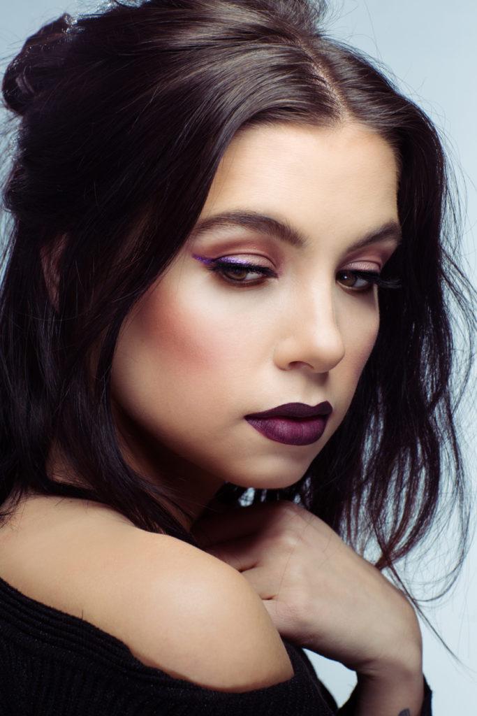 bold_lip_vivian